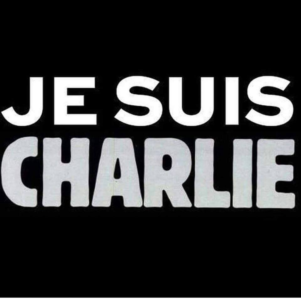 Charlie Hebdo : le Luxembourg se recueille Place Clairefontaine